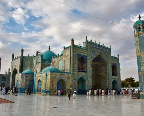 Blue Mosque Mazar i Sharif - Seb MacKinnon